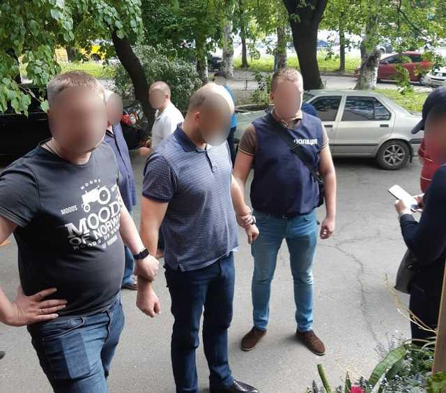«Требовал 25 000 долларов»: В Чернигове известный депутат погорел на взятке