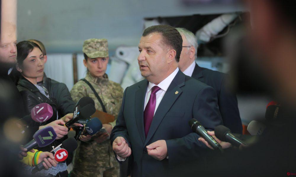 Вторжение в любой момент: министр обороны Полторак выступил с тревожным заявлением