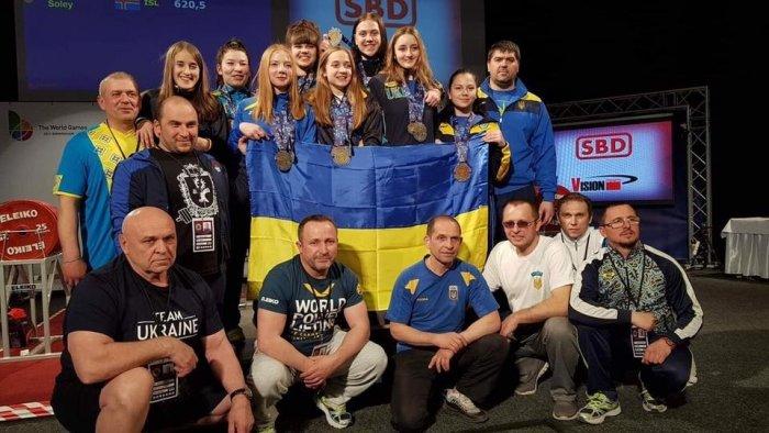 Украинские спортсменки завоевали золото на чемпионате Европы по пауэрлифтингу