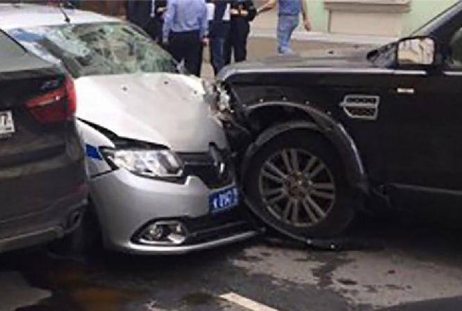 «Главный милиционер страны»: Звезда популярных сериалов разбился в ДТП в центре столицы