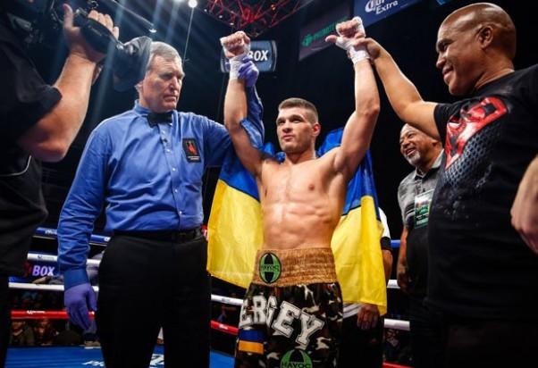 С третьего места на первое: Украинский боксер Сергей Деревянченко возглавил рейтинг IBF