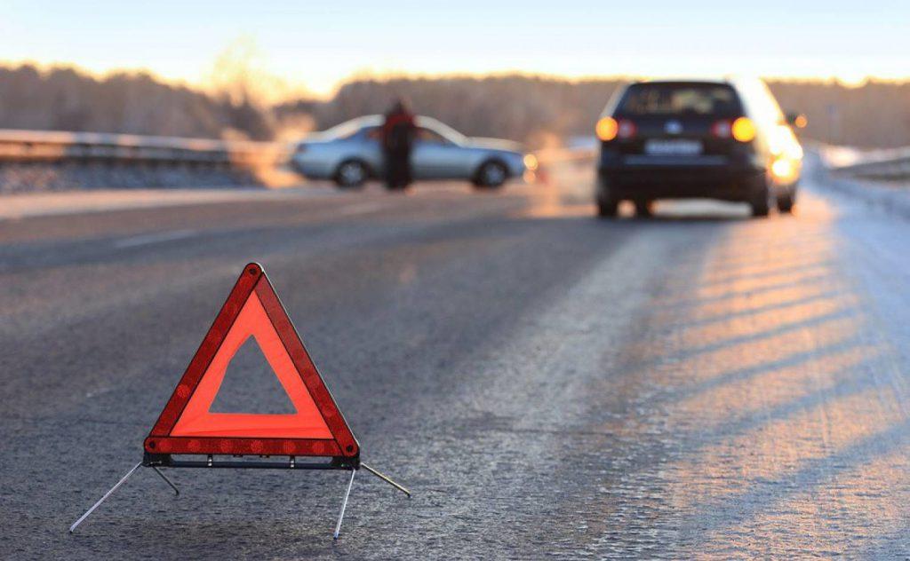 Кинул девочку на дороге: на Николаевщине водитель маршрутки сбил ребенка и уехал