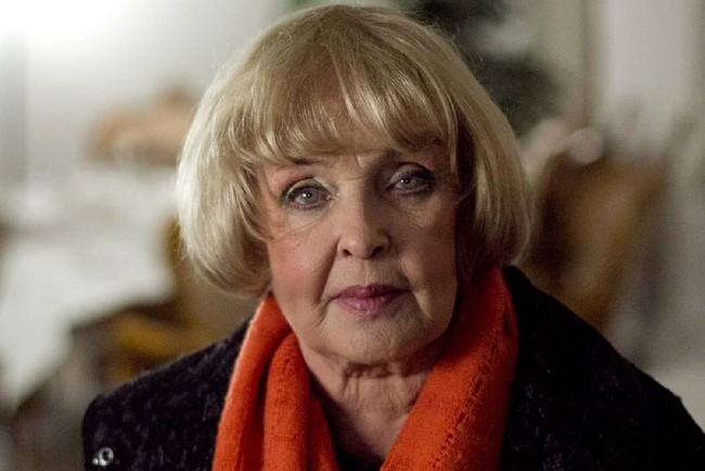 Поклонники легендарной актрисы взволнованы: 81-летняя Ада Роговцева попала в больницу