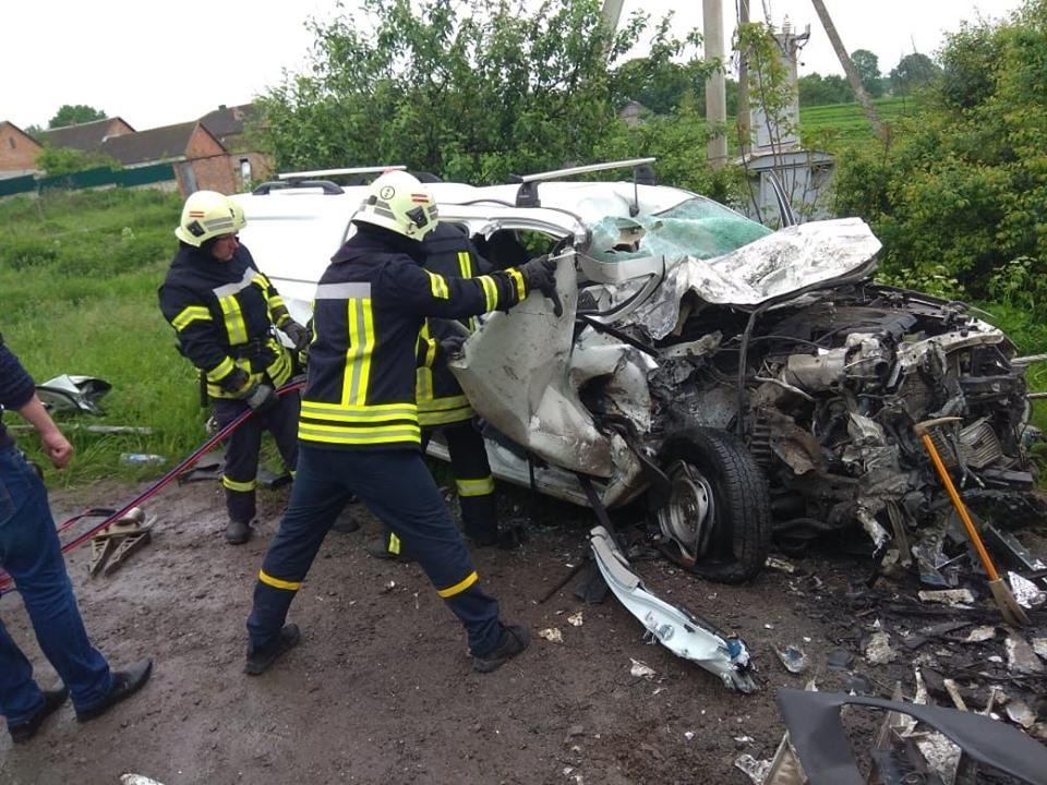 «Від авто не залишилося нічого»: Четверо працівників державної компанії «Укренерго» загинули в моторошній ДТП