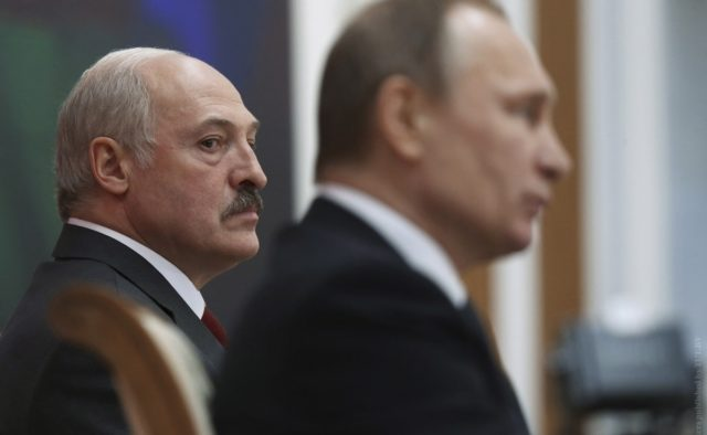 Швырнул стул и крикнул! Лукашенко провел с Путиным жесткий разговор. Дружбе конец?