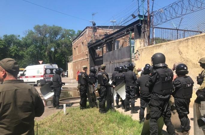 4  работников уже пострадали: в полиции заявили о бунте в колонии Одессы
