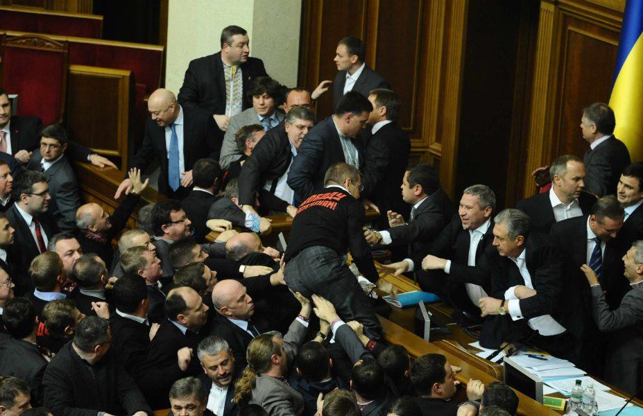 Уничтожить «касту неприкасаемых»! У Зеленского сделали мощную заявление о судьбе депутатов