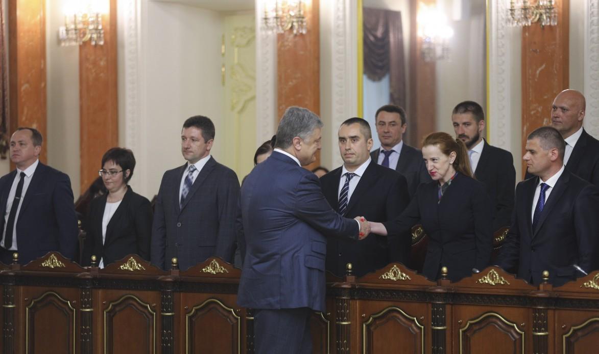 Реформы по-новому: В Верховный Суд Украины попали 15 недобропорядочных судей