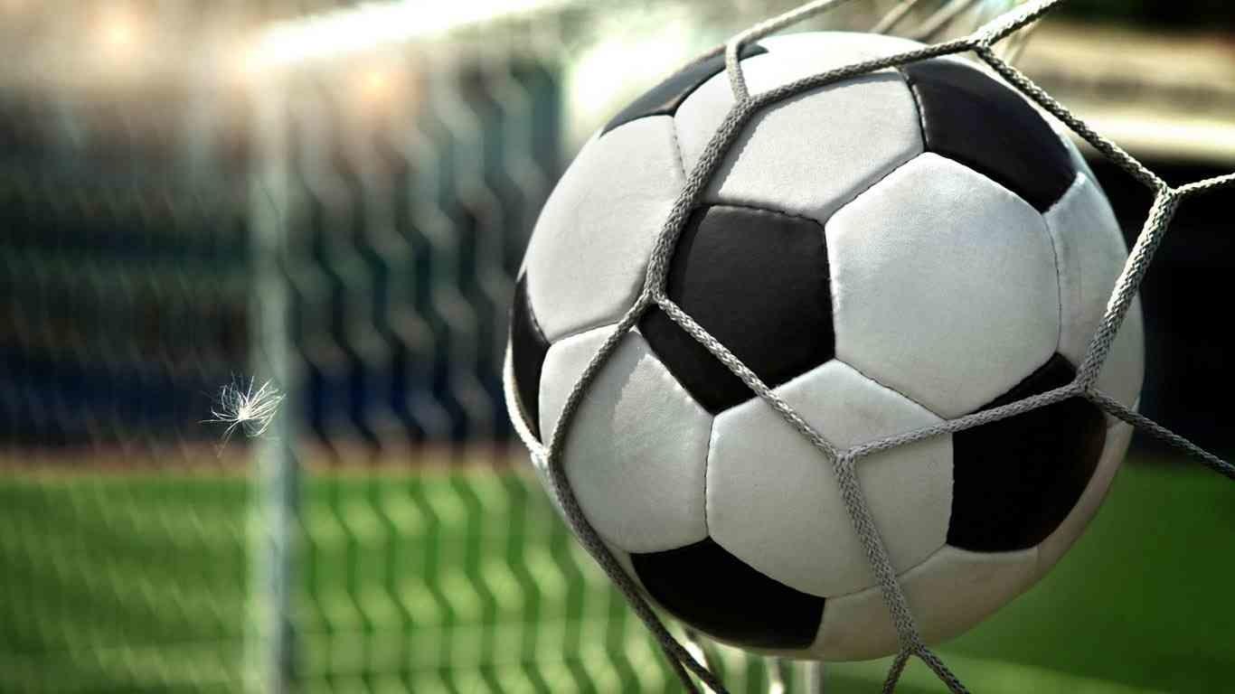Кто из украинских команд получить путевку в матчи плей-офф за выход в Премьер-лигу