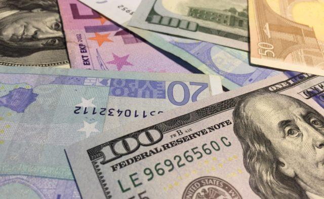 Доллар снова удивляет: валюта резко подорожала