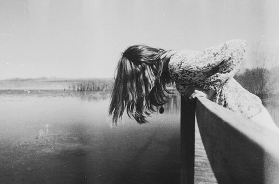 Вышла на середину моста и спрыгнула в Днепр: после ссоры с любимым молодая женщина решилась на отчаянный поступок