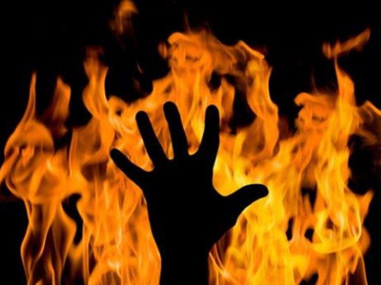 Пламя пылало во всю силу: В Одесской области 2-летняя девочка сгорела в машине собственного отца