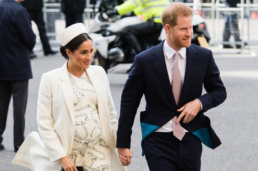 Подтверждено Букингемским дворцом: Принц Гарри и Меган Маркл впервые стали родителями