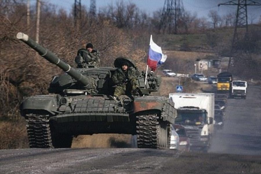 Россия срочно стянула танки и обустраивает позиции на Донбассе: что происходит?