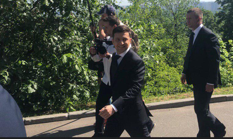 «Правительство и является нашей проблемой!»: Зеленский ошеломил своей первой речью в Раде