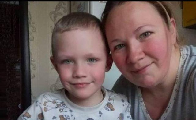 «Как они могли отпустить туда ребенка?»: Жена копа цинично обвинила во всем родителей убитого Кирилла