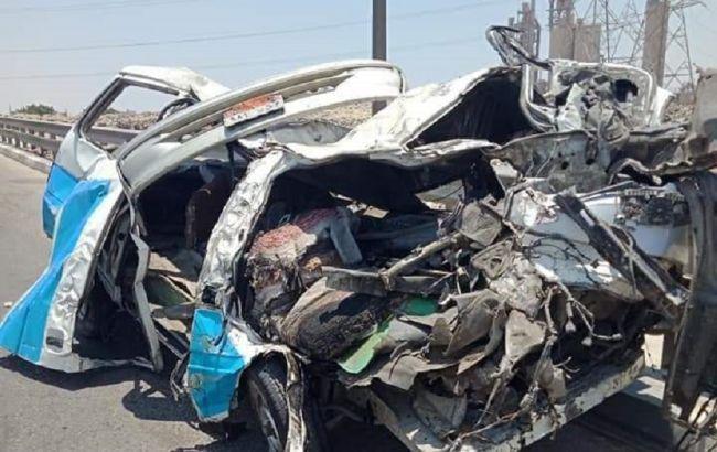 «14 погибших и десятки пострадавших» В Египте два микроавтобуса столкнулись с грузовиком