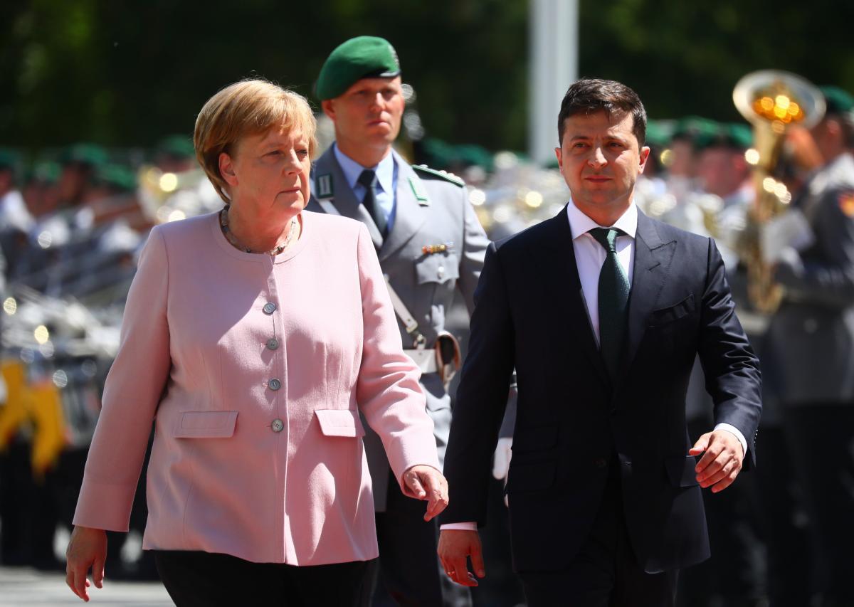 «Не мы начинали эту войну»: Зеленский после встречи с Меркель сделал резкое заявление в адрес некоторых политиков
