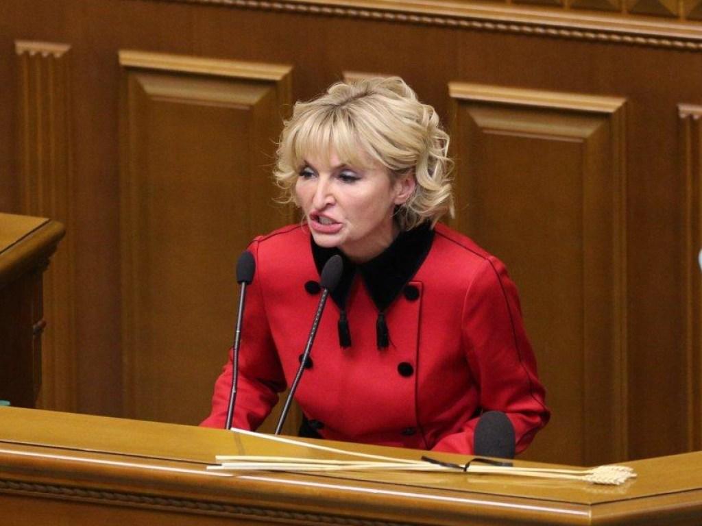 Буквально «новое» лицо: «Женщина третьего тысячелетия» Ирина Луценко «обновила лицо»