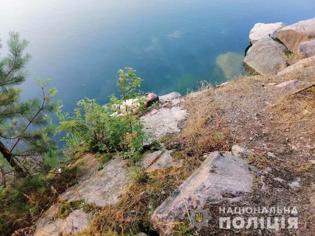 Мертвого отца и сестру нашел старший сын: На Киевщине утонул священник с маленькой дочкой
