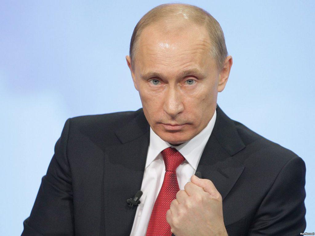 «Тост одним стаканом, выпил из другого. Параноик»: Путин смутил своим поведение на встрече G20