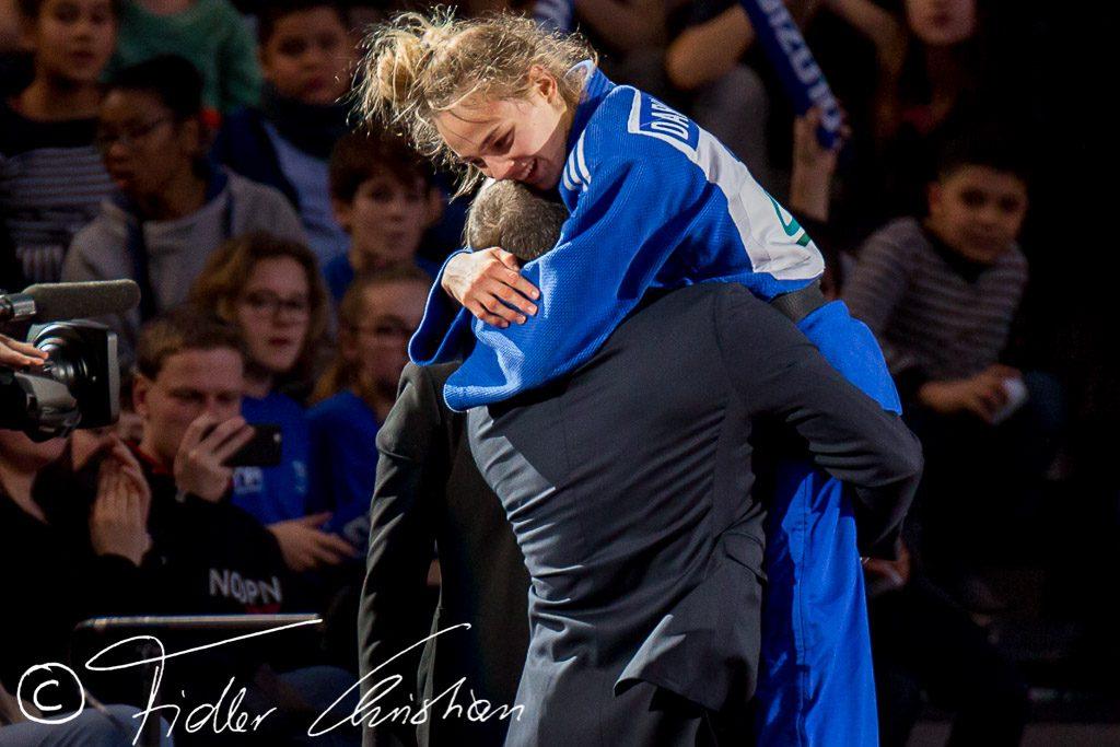 Первое золото Украины: Дзюдоистка Дарья Билодид победила россиянку и выиграла Европейские игры