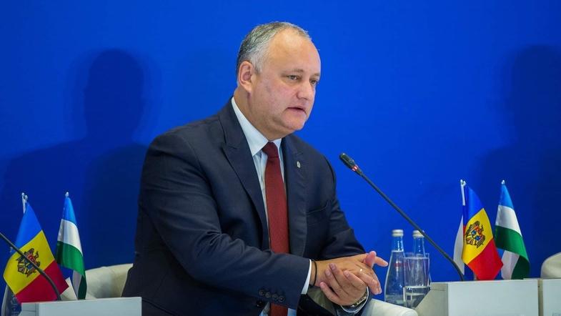 Додон больше не президент, роспуск парламента. Что происходит в Молдове?