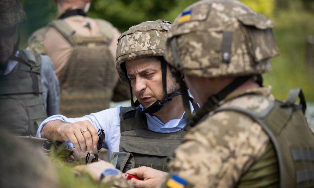 Уклонение Зеленского от армии: появился документ, который объясняет все: не дезертир
