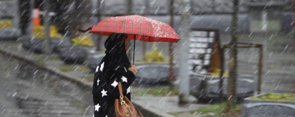 Лето не спешит приходить: синоптики предупредили про ухудшение погоды