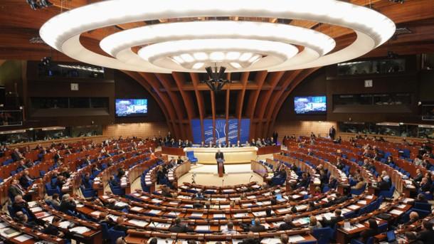 В знак протеста: Вместе с Украиной приостановили свое участие в ПАСЕ еще шесть иностранных делегаций