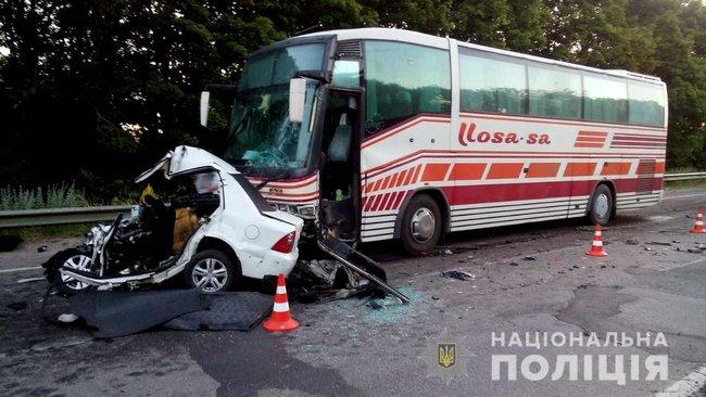 Смертельное ДТП под Харьковом: 24-летний водитель автомобиля «влетел» в автобус с 50 пассажирами