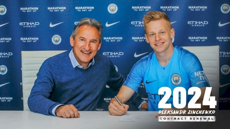 «Я счастлив!»: Украинец Александр Зинченко продлил соглашение с «Манчестер Сити» до 2024 года