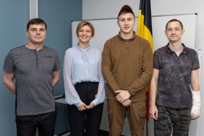 Трогательный поступок: супруга Зеленского посетила в Брюсселе украинских военных