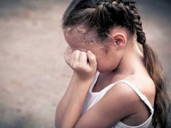 Пока мать была на заработках в Польше: на Волыни изверг регулярно насиловал 11-летнюю девочку
