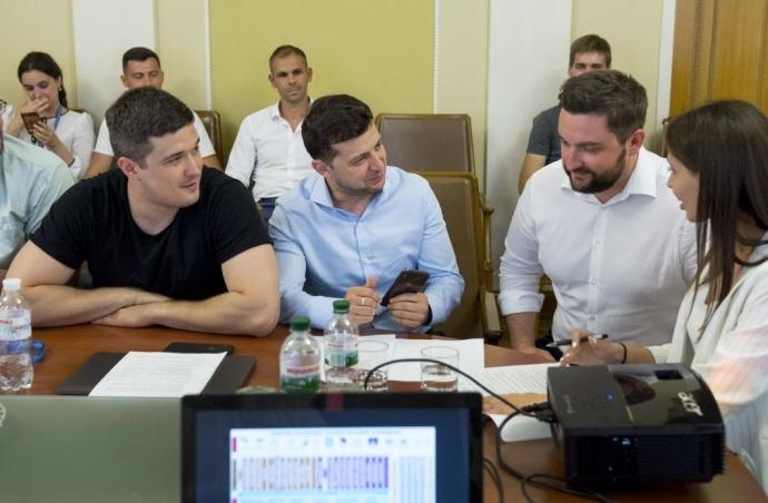 «Я хочу быстрых перемен»: Зеленский анонсировал нововведения для украинцев. Уже в этом году