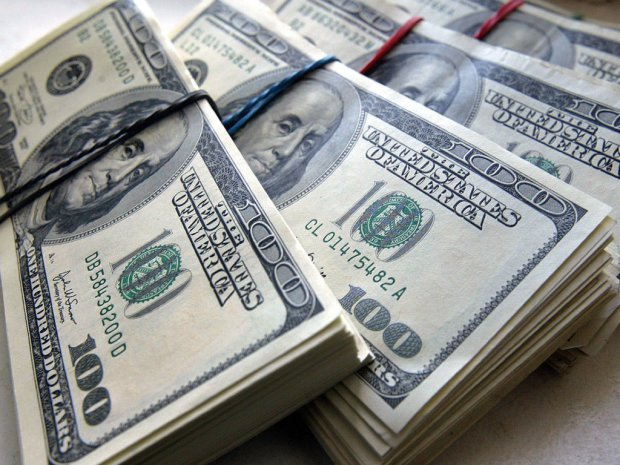 И снова американские горки: Свежий курс валют на начало недели