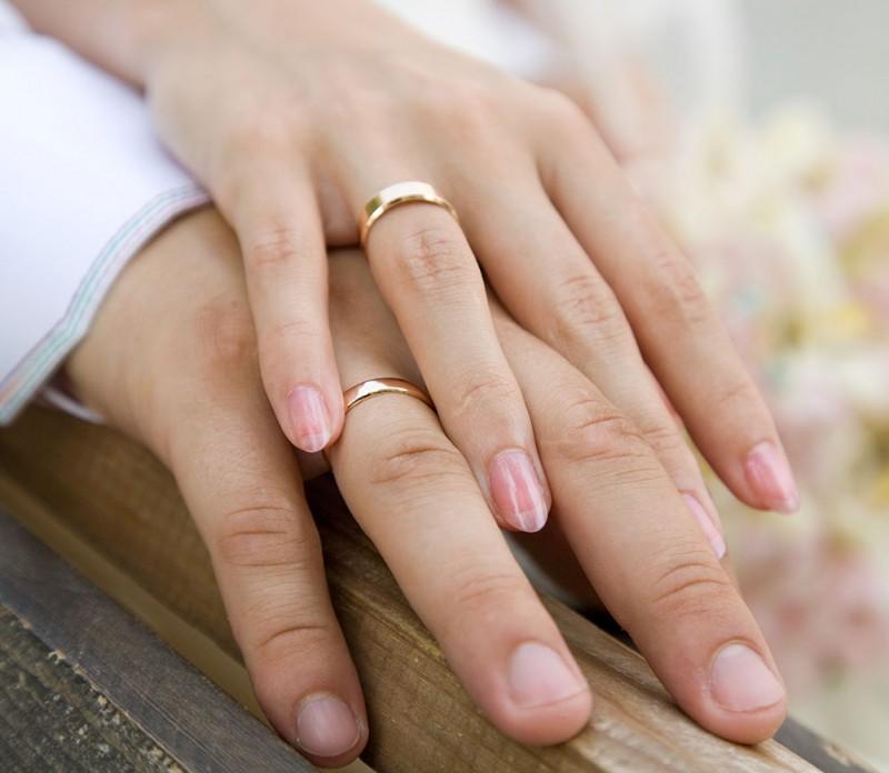 «Моя семья была в шоке»: известная украинская певица заявила, что вышла замуж