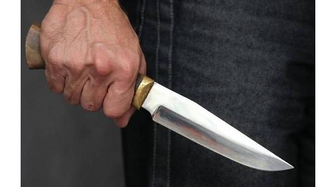 Перерезал вены прямо в кабинете: На Львовщине пациент-иностранец набросился на врача-стоматолога с ножом