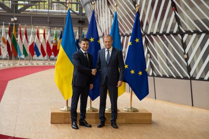 Первый зарубежный визит: Владимир Зеленский встретился с Дональдом Туском в Брюсселе