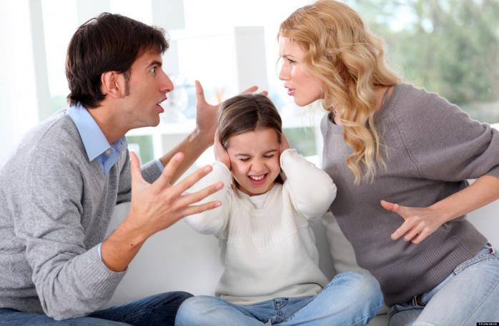 «Все через нотариуса»: Украинцам с детьми станет сложнее расстаться