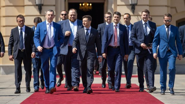 «Это же преступление» У Зеленского сделали громкое заявление о депутатских зарплатах
