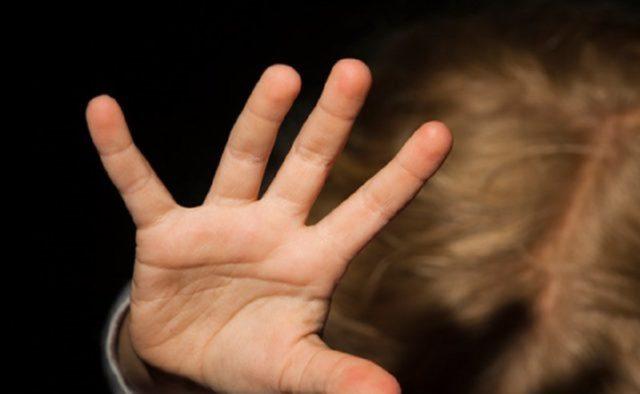 Сдавал задним ходом и не заметил малыша: двухлетнего мальчика переехало авто в Киеве