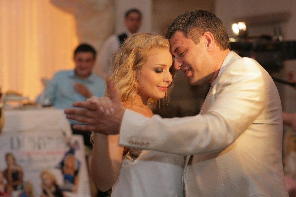 Счастье было таким коротким: В годовщину свадьбы Тина Кароль трогательно почтила любимого