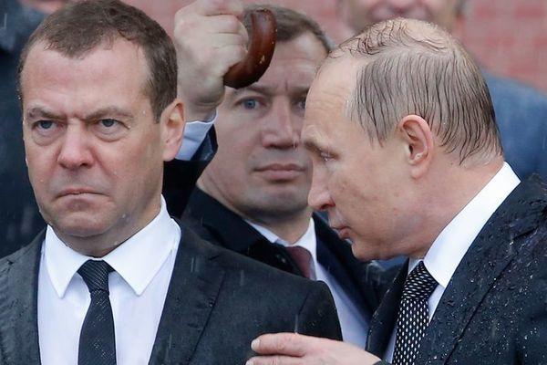 Дмитрий Медведев пожаловался на Владимира Зеленского: не хочет восстанавливать отношения с Россией