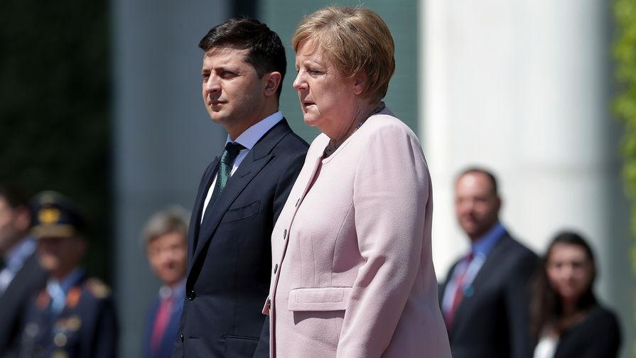 «Молился и просил Бога»: В Сети появились новые детали ЧП на встрече Меркель с Зеленским
