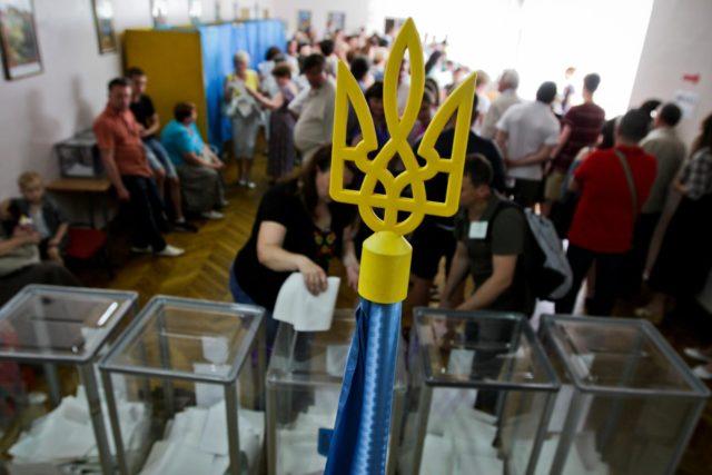 «Опять на избирательные участки» У Зеленского сделали громкое заявление о досрочных выборах. Уже скоро