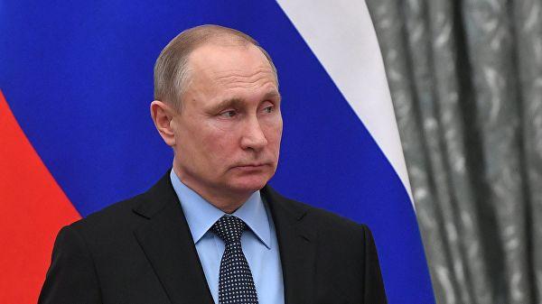 Опять раздает указания украинском! Путин требует отмены закона Порошенко