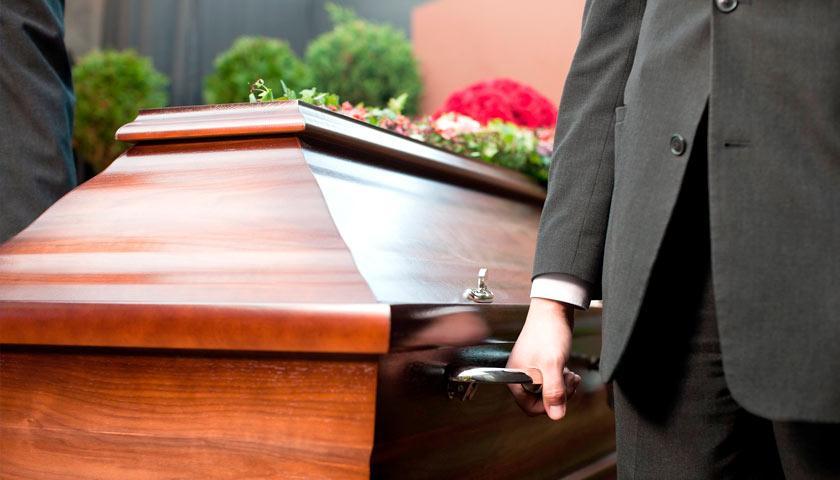 «Вдруг из носа пошла кровь»: Умершая женщина «ожила» во время отпевания. Присутствующие были ошарашены