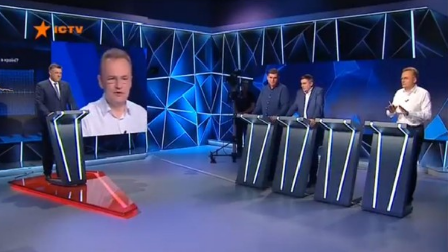 «Вы не забыли поздравить Виктора Януковича?»: Тягнибок разнес Садового в эфире украинского телеканала