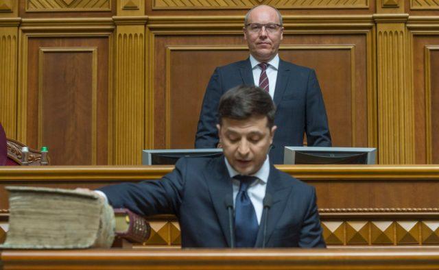 Демонстрация предвыборного шоу: Парубий выдвинул Зеленскому условие для проведения внеочередной сессии ВР